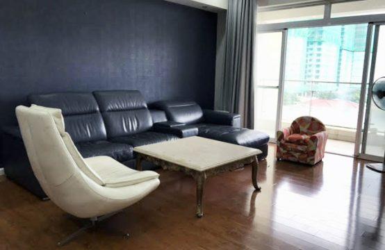 Three bedroom apartment in Riverside Residence