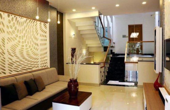 Nice house located on Ly Phuc Man street, district 7 for rent