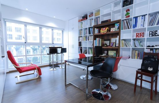 Four bedroom apartment for rent in Happy Valley Phu My Hung district 7