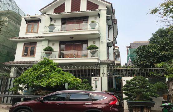 Sadeco villa for rent in district 7, near RMIT university