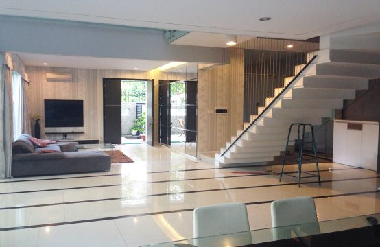 House for lease in district 7 HCMC, adjacent Phu My Hung