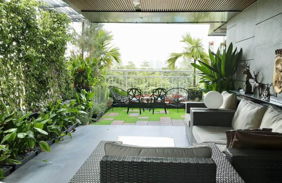 Riverside Residence apartment for rent with nice garden