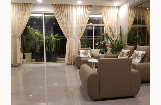 Luxury apartment for lease in Sunrise Riverside