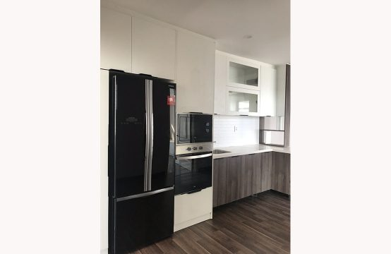 Three bedroom apartment for rent in Canh Vien